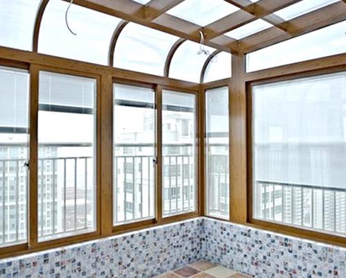 阳光房安装钢化玻璃
